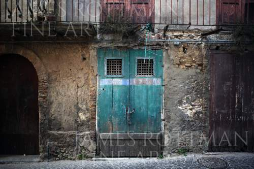 Vincenzo Pietropaolo-Abandoned Doors Maierato Italy
