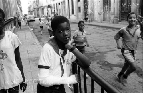 Vincenzo Pietropaolo-Schoolboy with Broken Arm Havana